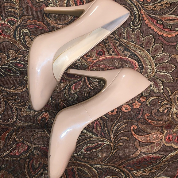 Jessica Simpson Shoes - Jessica Simpson Nude Heels